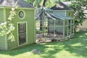 Những kiểu mẫu chuồng gà sạch và đẹp như ngôi nhà nhỏ