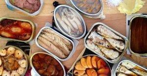 Vì sao thực phẩm đóng hộp có hạn sử dụng chỉ vài năm?